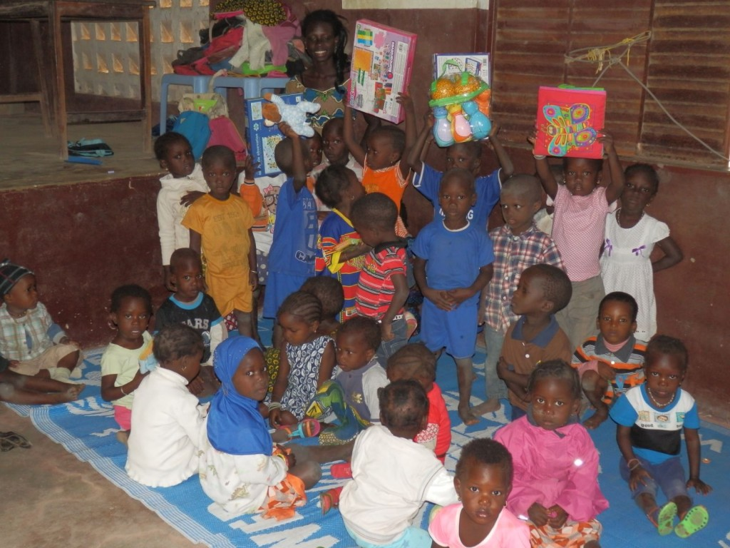 Senegal entrega juguetes Guardería 2